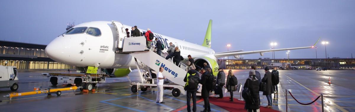 airbaltic_cs300_amsterdam_2-1200