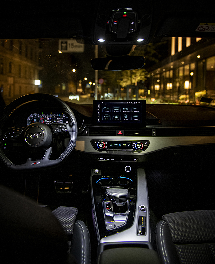 Audi A4 interjers